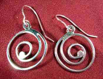 Round Swirl Wire Earrings