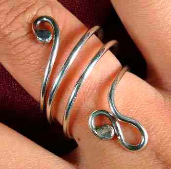 Long Swirl Ring